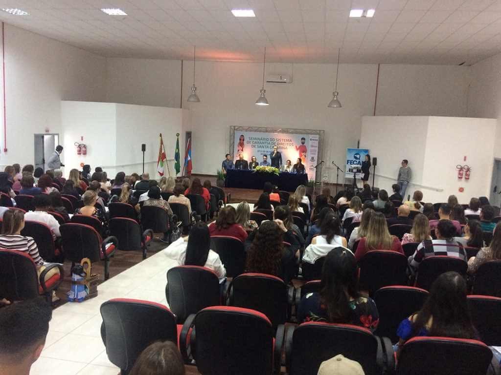 PORTO BELO – Porto Belo sedia encontro Estadual sobre garantia de direitos