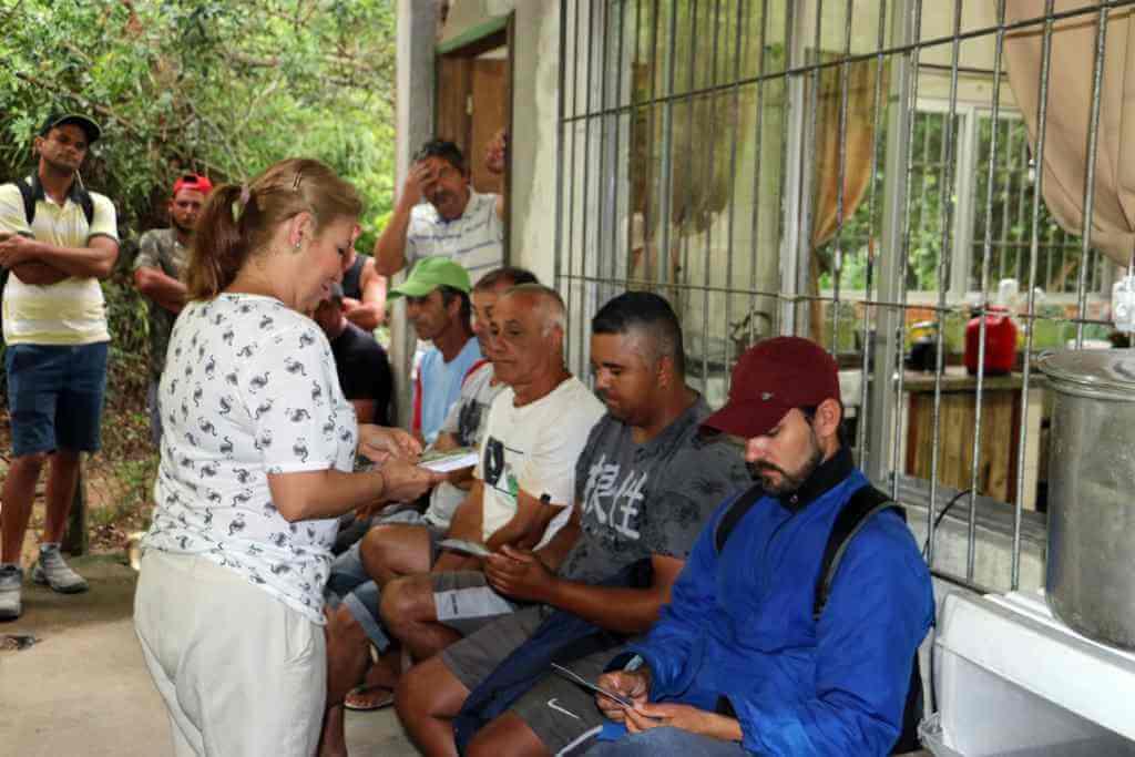 BOMBINHAS - Equipe de Combate a Dengue visita Secretaria de Obras