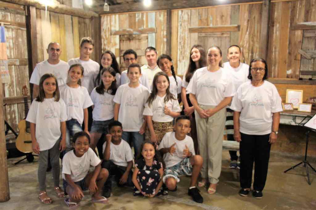 """BOMBINHAS - Projeto Casa Escola realiza Recital com o tema """"O Amor"""" - Foto: Márcia Cristina Ferreira"""