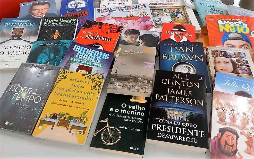 BOMBINHAS - Biblioteca Municipal recebe novos títulos - Foto: Márcia Cristina Ferreira