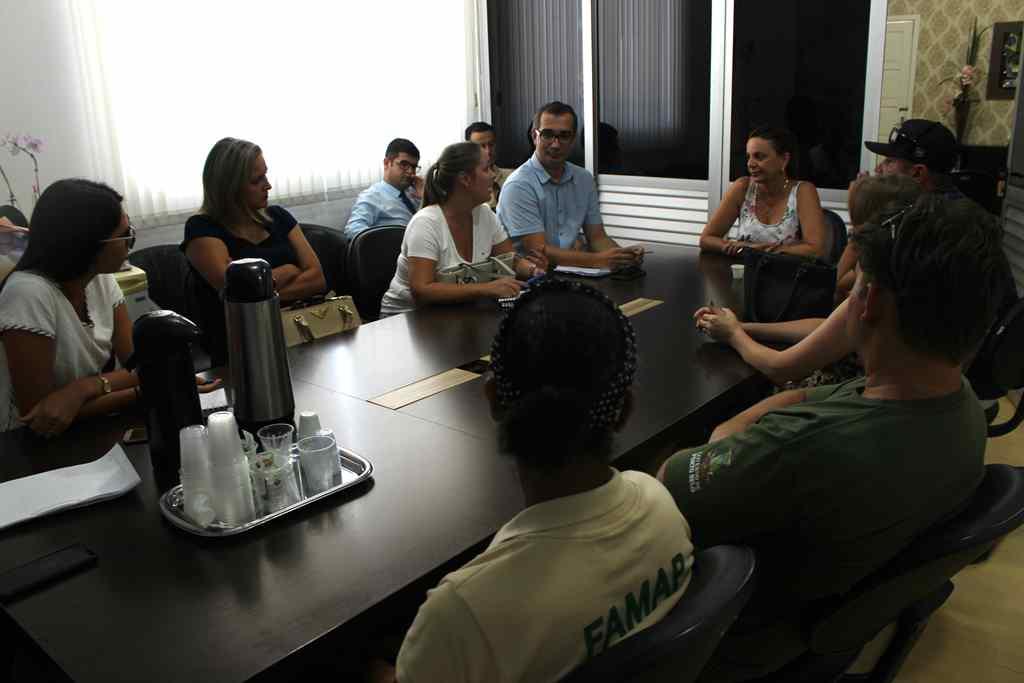 PORTO BELO - Porto Belo participa de reunião com ARESC e Itapema para debater problemas no Rio Perequê