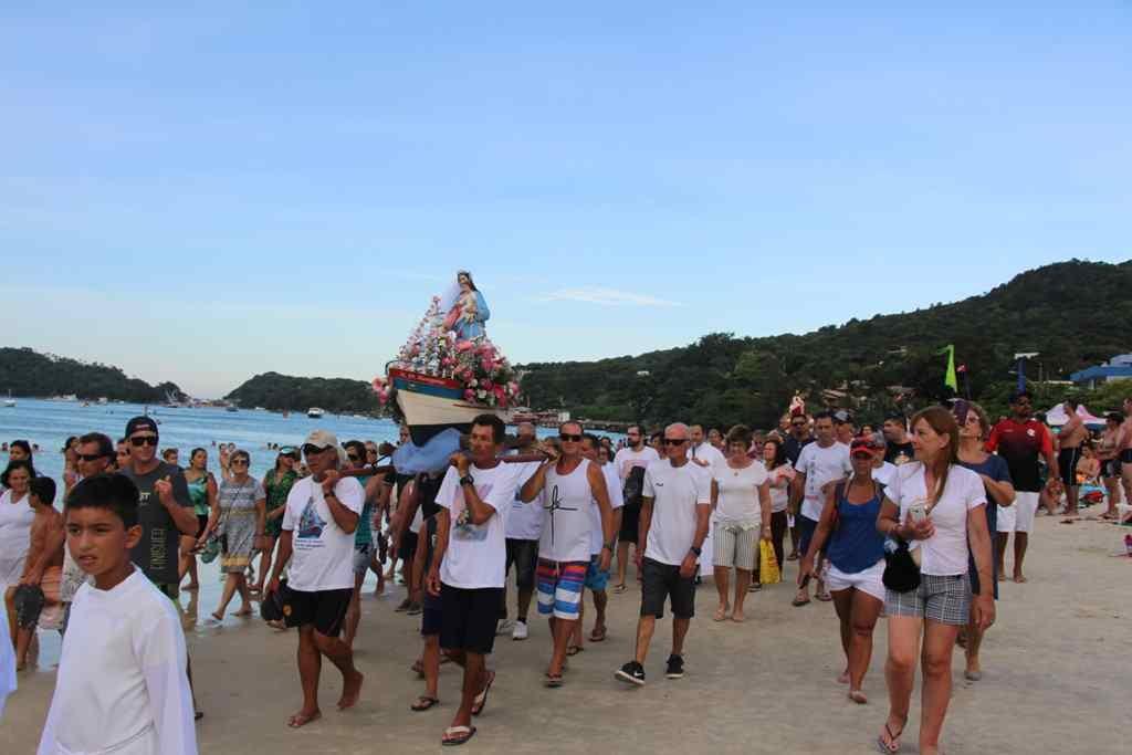 BOMBINHAS – Tradição e Devoção na Festa de Nossa Senhora dos Navegantes