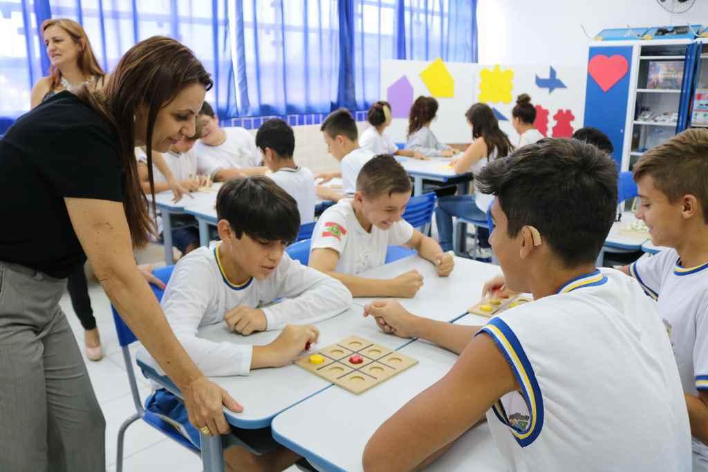 Escolas da Rede Municipal ganham laboratórios de ciências e matemática