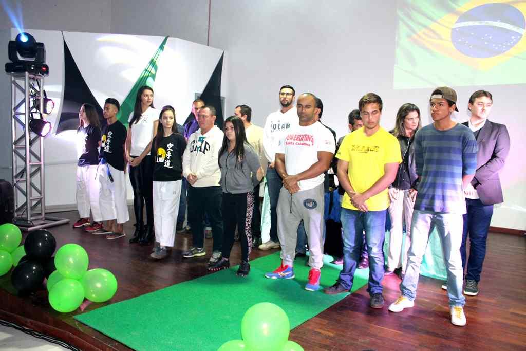 PORTO BELO - Abertas as inscrições para o Bolsa Atleta em Porto Belo