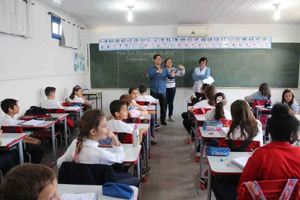 PORTO BELO - Aulas começam no dia 18 em Porto Belo