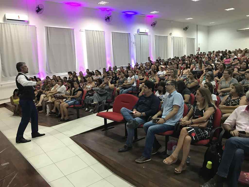 PORTO BELO - Professores têm Semana de Capacitação em Porto Belo