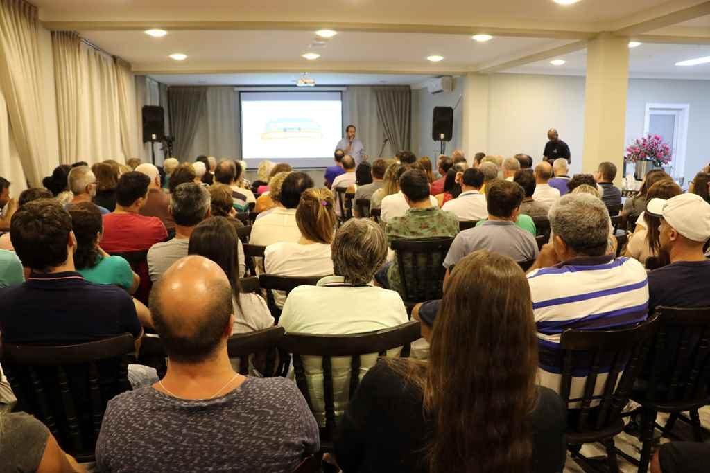 BOMBINHAS – Comunidade discute novo Projeto para Avenida do Centro