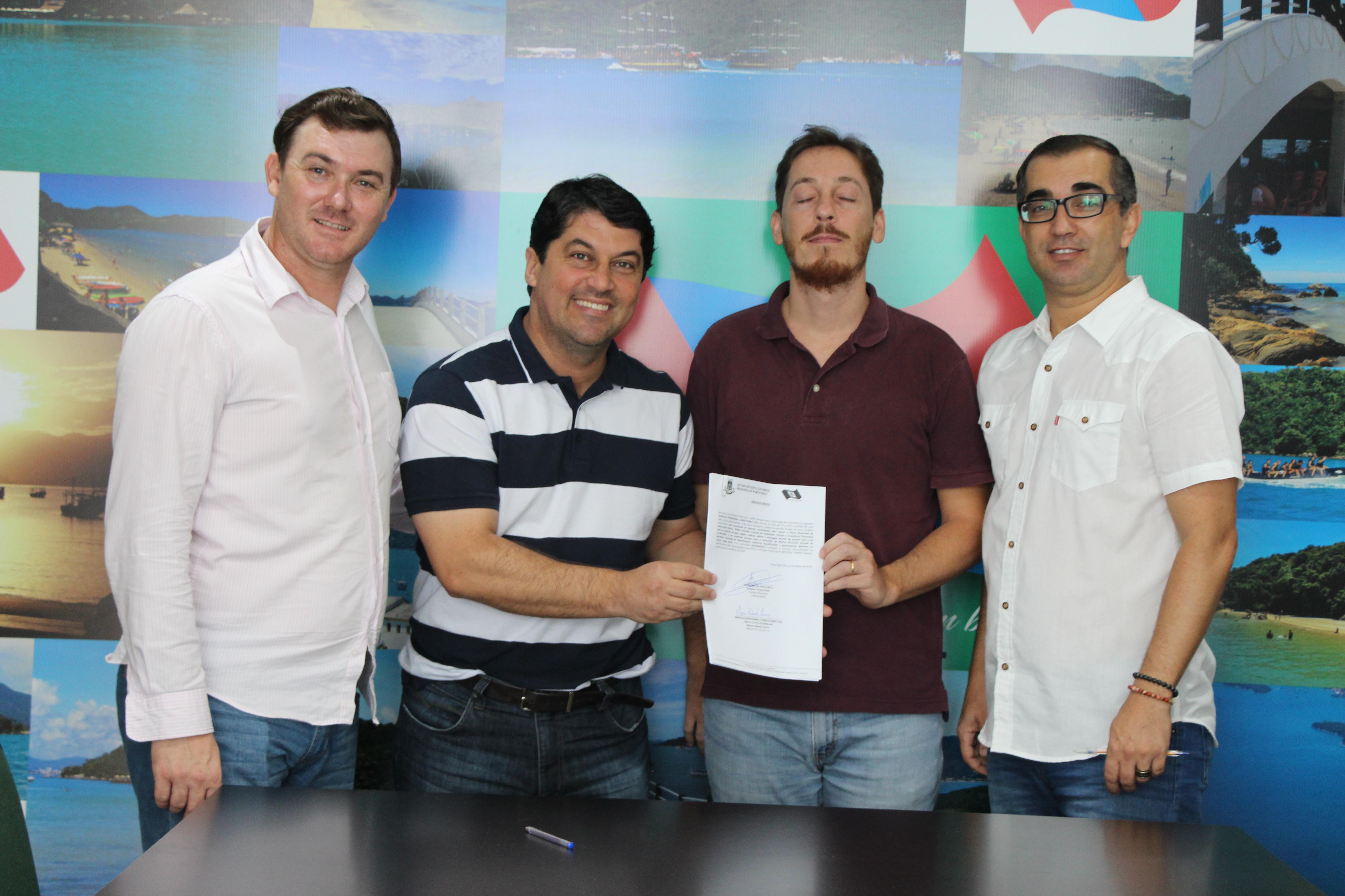 PORTO BELO - Assinada Ordem de Serviço para Plano de Saneamento Básico em Porto Belo