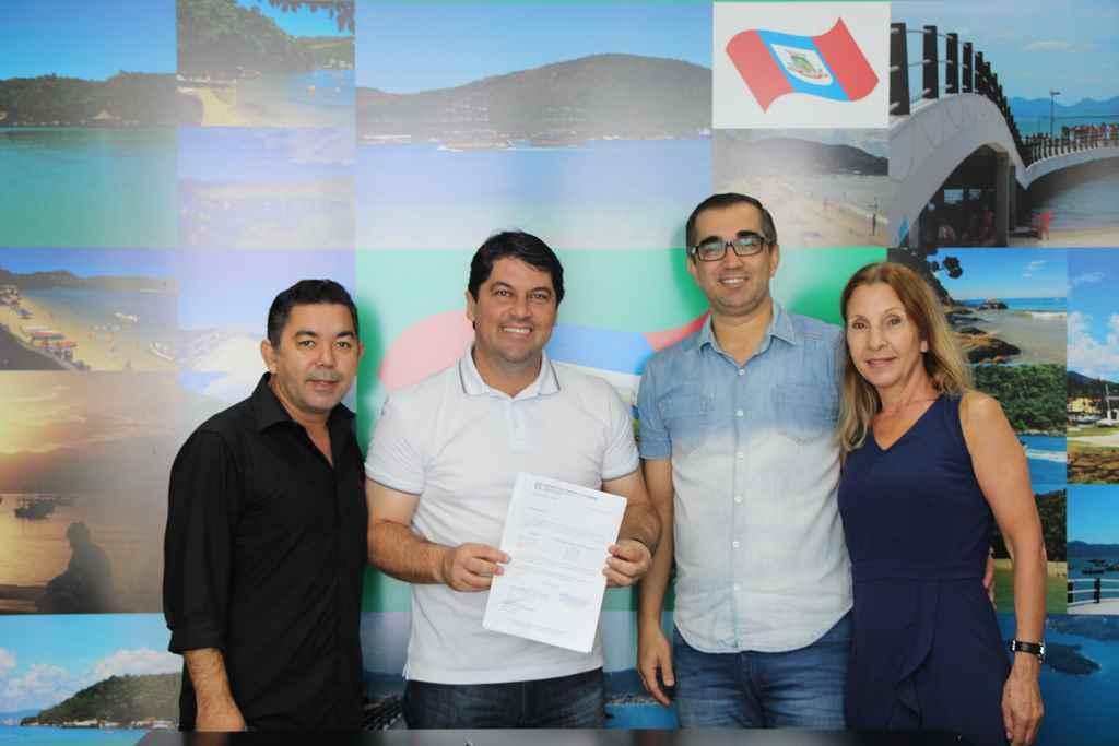 PORTO BELO - Porto Belo recebe repasse do Governo para transporte escolar