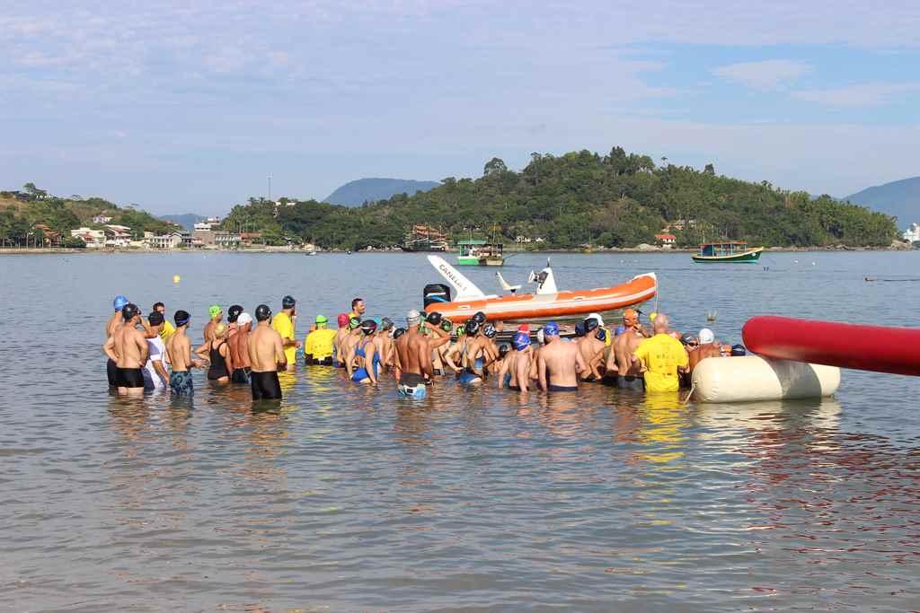 PORTO BELO - Sábado terá travessia de Natação em Porto Belo