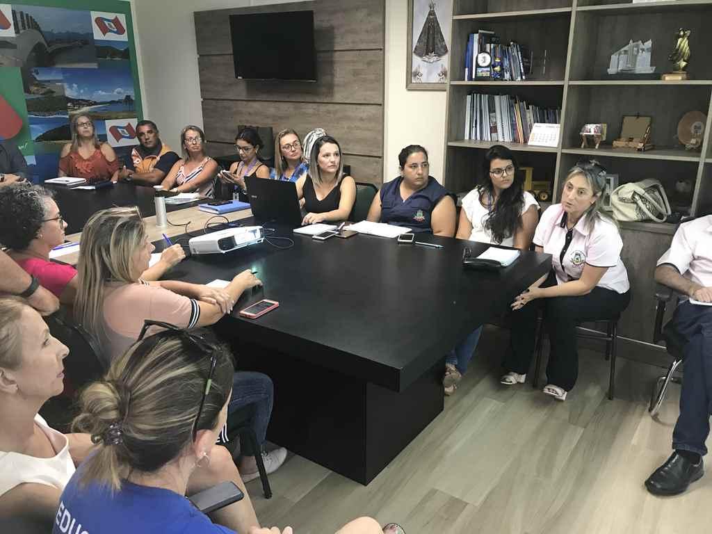PORTO BELO - Sala de situação debate estratégias contra a dengue em Porto Belo