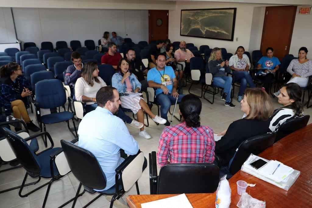 BOMBINHAS - Secretaria de Saúde reúne Sala de Situação contra a Dengue