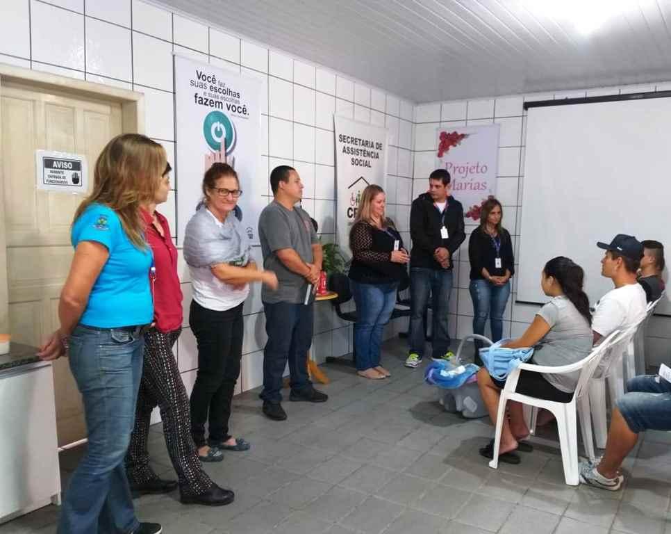 PORTO BELO - Adolescentes conhecem Projeto Escolhas em Porto Belo