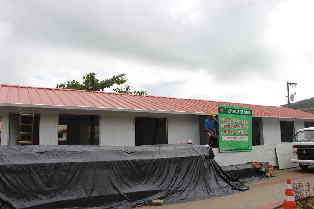 PORTO BELO - Porto Belo realiza reforma de mais uma escola