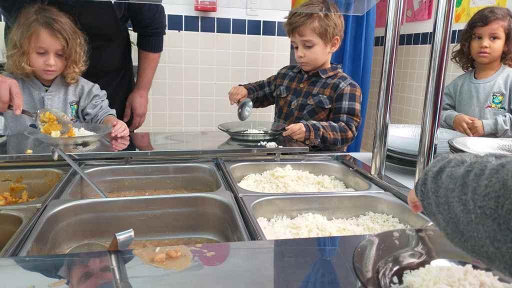 Educação adquire novos buffet adaptados para alimentação escolar nos CMEIs