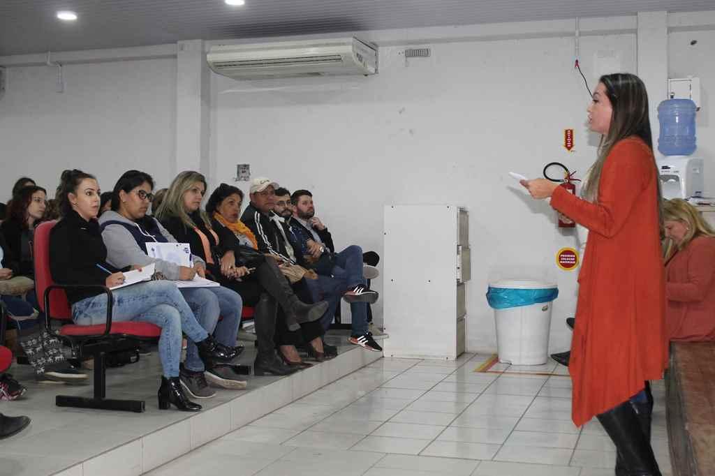 Entidades e associações participam de reunião sobre o Arraiá Solidário