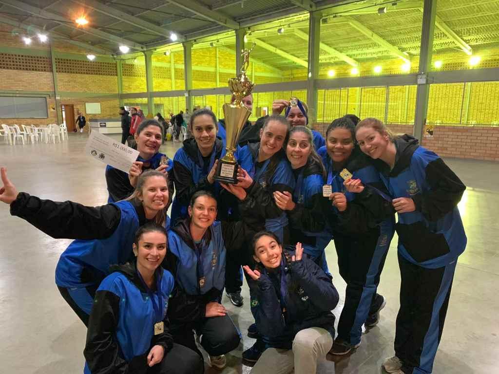 Equipe feminina de Itapema vence Copa São Bonifácio de Voleibol