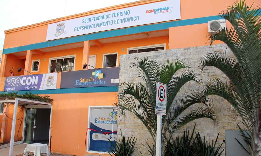 BOMBINHAS - Informe PROCON sobre empréstimo consignado ou financiamento - Foto: Louise Stefany Polesello D