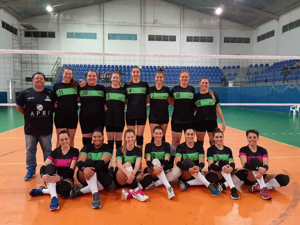 Equipe de vôlei feminino vai participar da Copa VolleyBras