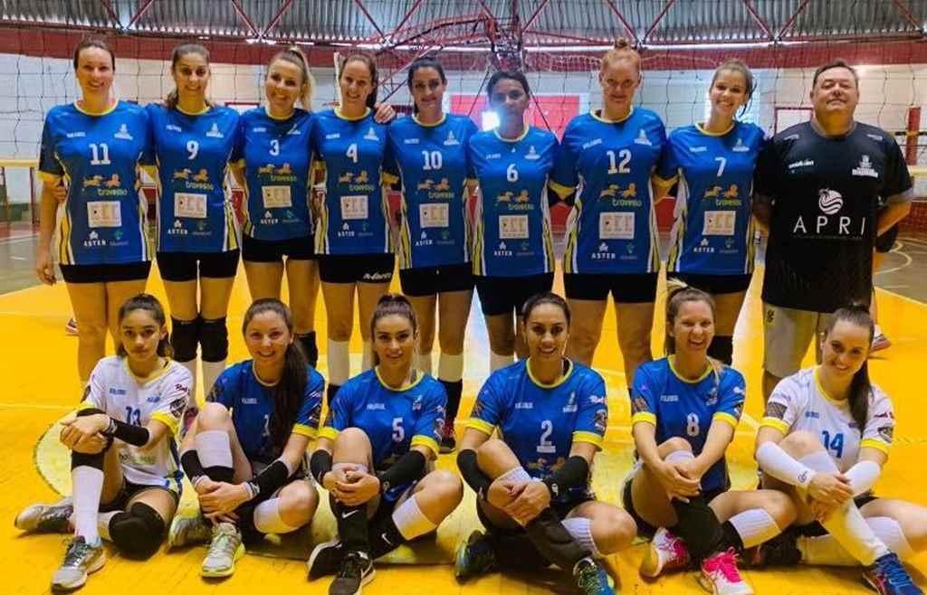 Equipe de vôlei feminino vence Copa VolleyBras