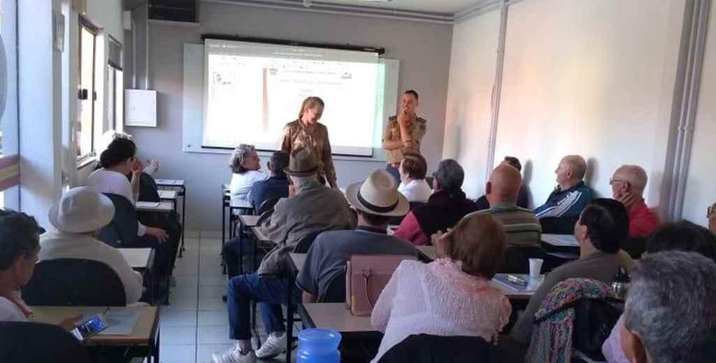 Iniciam aulas para nova turma do curso da melhor idade do Corpo de Bombeiros Militar