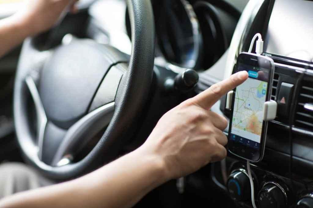Motoristas de aplicativos devem retirar selo mensal no Detrami
