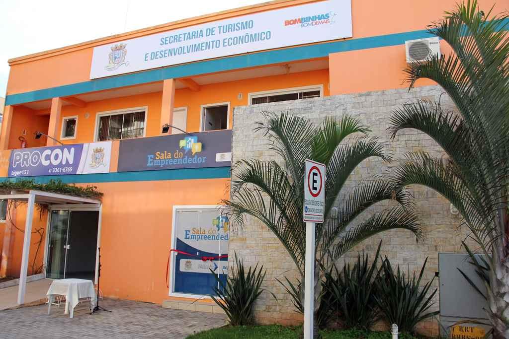 BOMBINHAS - Mutirão do para renegociação de dívidas bancárias - Foto: Manuel Caetano