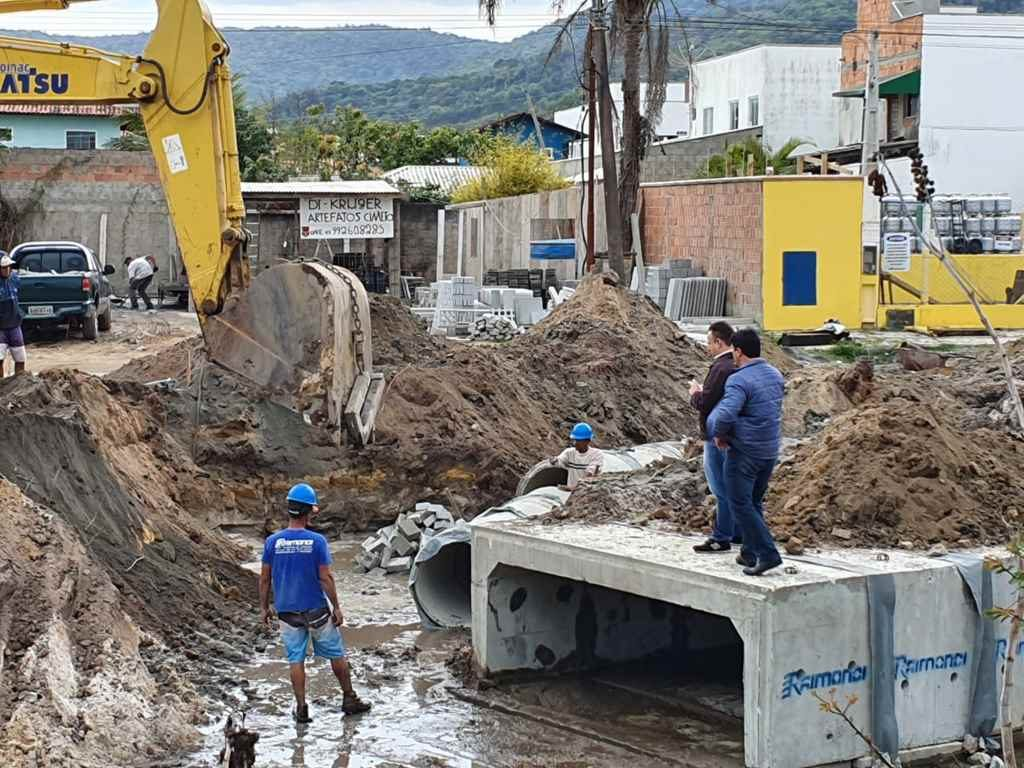 PORTO BELO – Iniciam obras de pavimentação da João Manoel Jaques