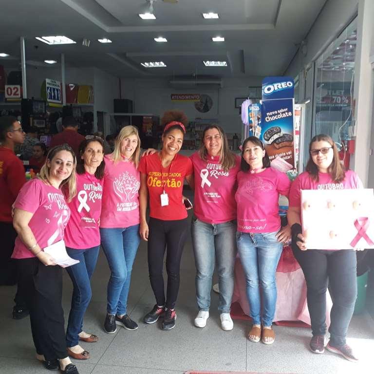 Atividades da campanha Outubro Rosa levam orientação a população