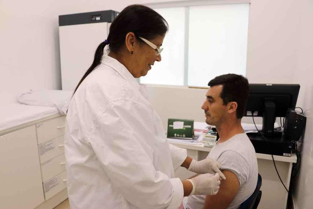 BOMBINHAS - Vacinação contra o Sarampo em Bombinhas - Foto: Manuel Caetano