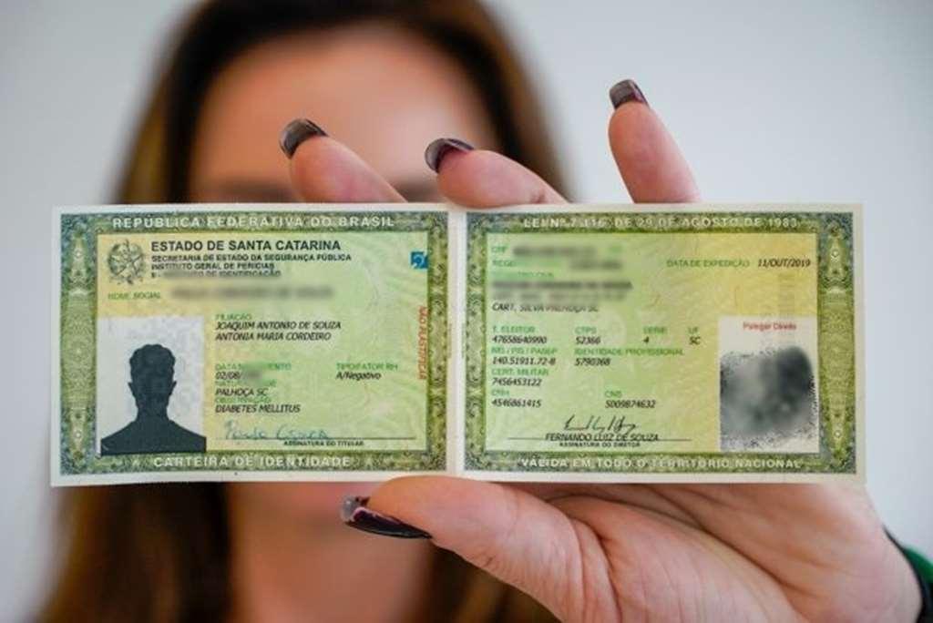 Novo modelo da carteira de identidade começa a ser emitido em Itapema