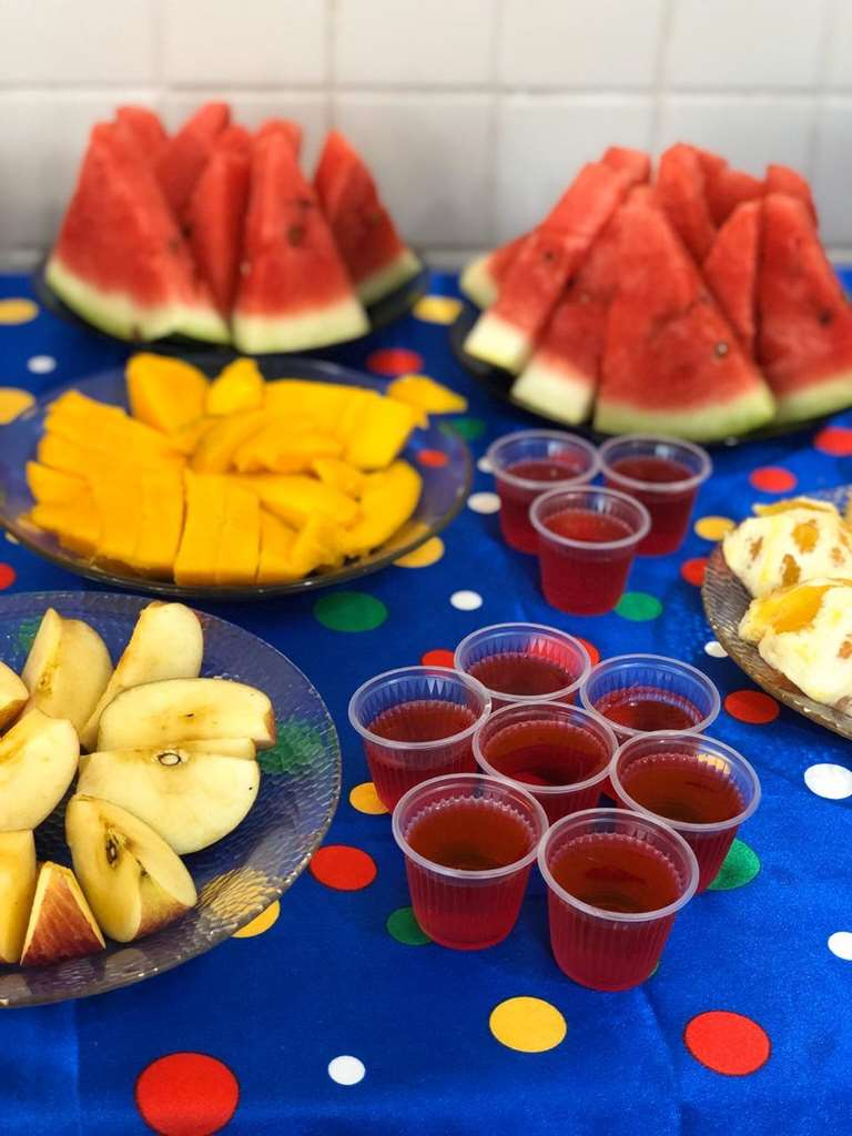 Rede Municipal de Ensino comemora semana da criança com alimentação diferenciada