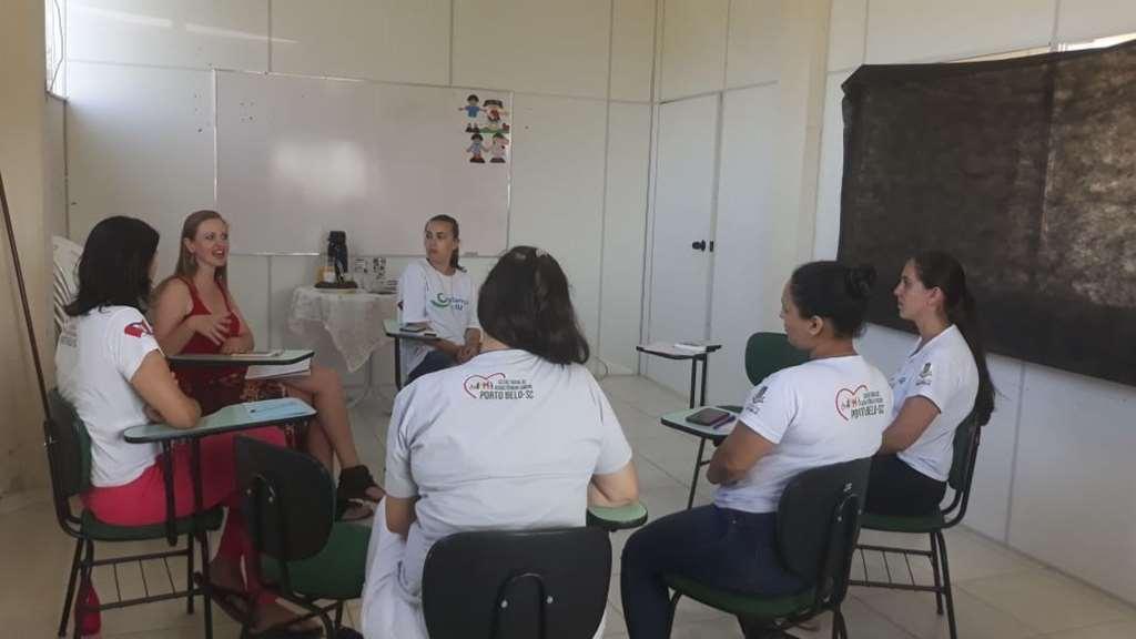 PORTO BELO - Equipe do Criança Feliz passa por capacitação em Porto Belo