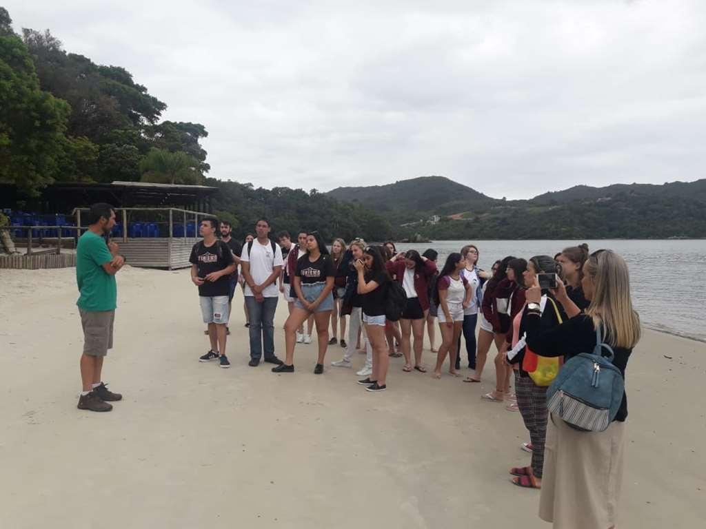 PORTO BELO - Porto Belo recebe alunos do curso técnico de turismo de Nova Trento