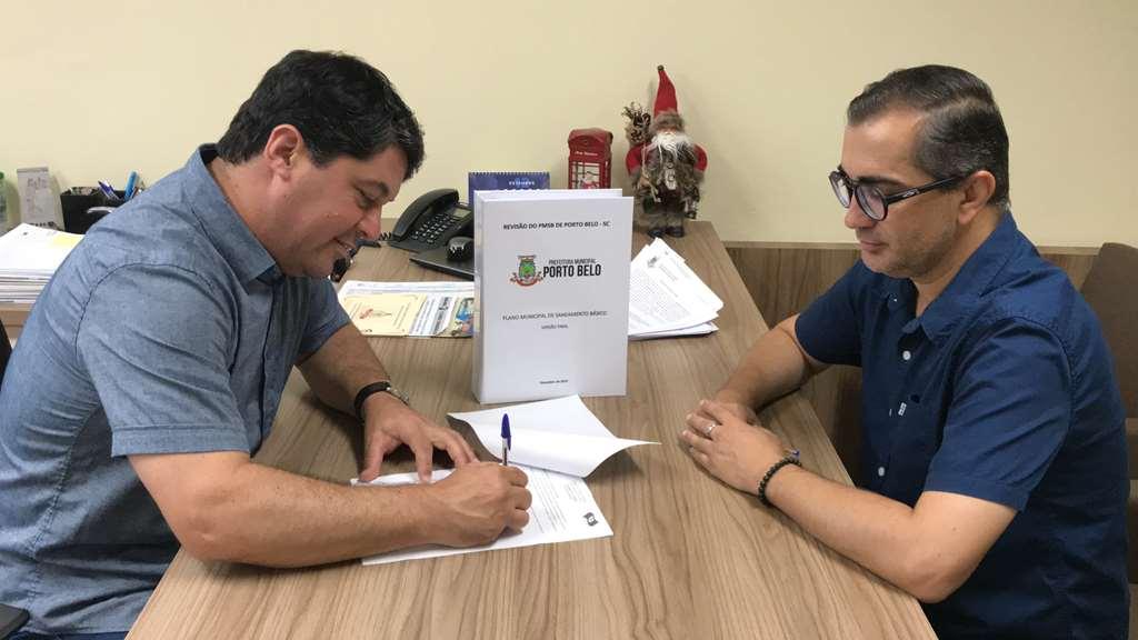 PORTO BELO - Porto Belo aprova primeira revisão do Plano de Saneamento Básico