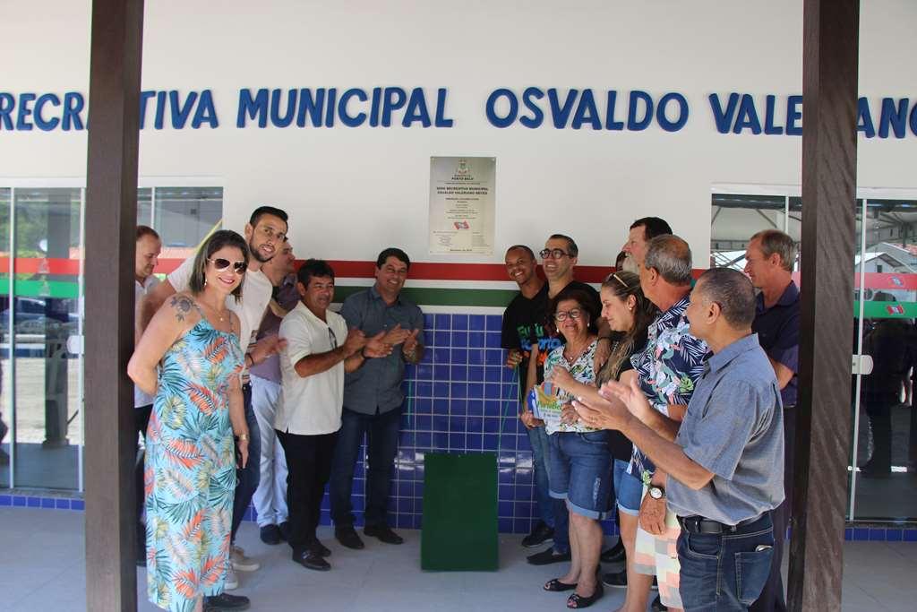 PORTO BELO - Porto Belo entrega nova Sede Recreativa à comunidade