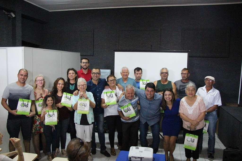 PORTO BELO - Porto Belo entrega novos aparelhos auditivos aos pacientes