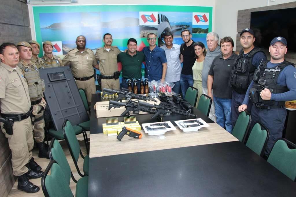 PORTO BELO – PM de Porto Belo recebe novos armamentos