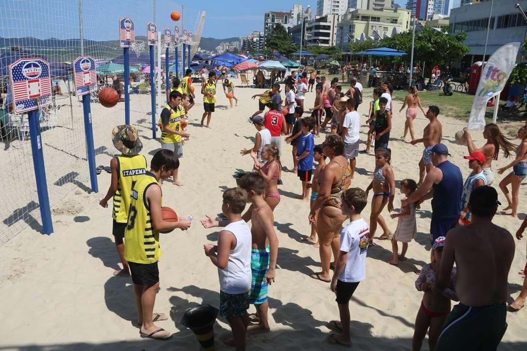 Bola na Cesta reúne muitos participantes na Orla da Meia Praia