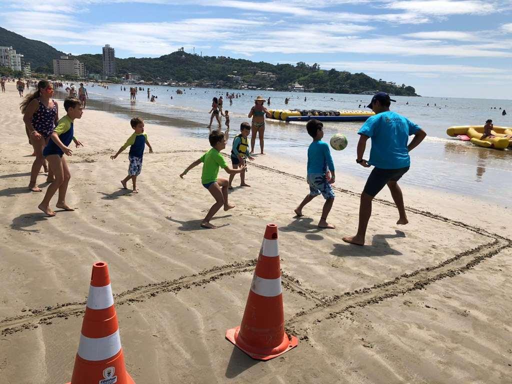 Cultura e esporte movimentam as praias no projeto Verão Itapema 2020
