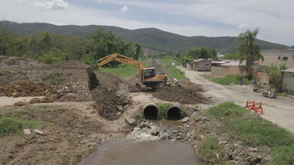 Defesa Civil e Obras realizam ações para prevenção a alagamentos