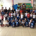 Educação inicia a distribuição de uniformes escolares