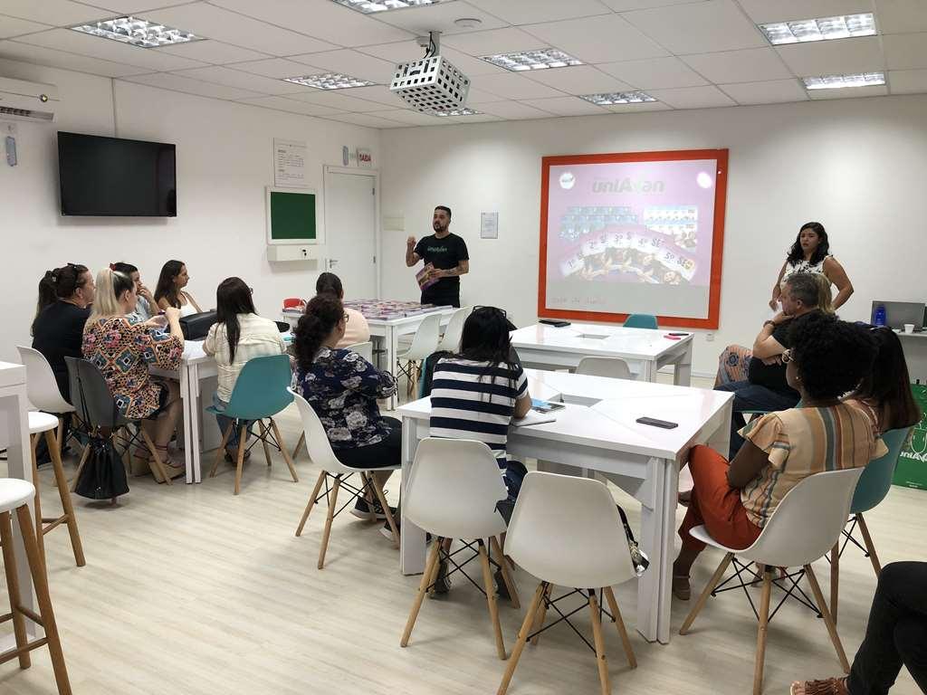 Educação realiza formação para professores de inglês do Anos Iniciais
