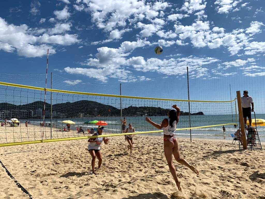 Iniciam as competições do Circuito Vôlei de Praia de Itapema