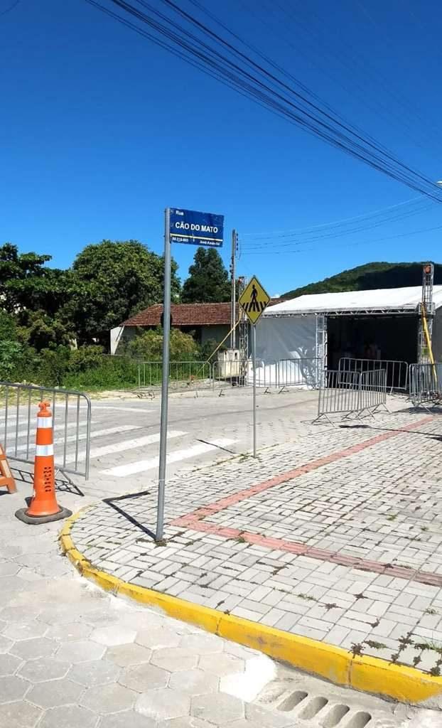 BOMBINHAS – DRIVE THRU de Triagem aos sintomas do Coronavírus é instalado em Bombinhas