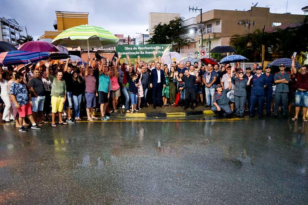 BOMBINHAS - Ordem de Serviço marca início da obra na Avenida Fragata - Foto: Manuel Caetano