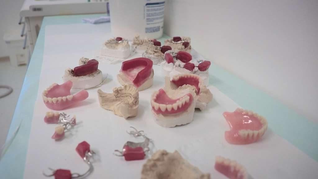 Saúde disponibiliza próteses dentárias aos pacientes