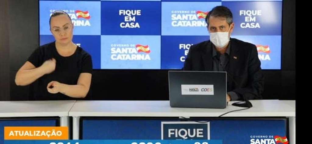 Secretário de Saúde André Motta Ribeiro atualizou os números de SC(Foto: Reprodução)