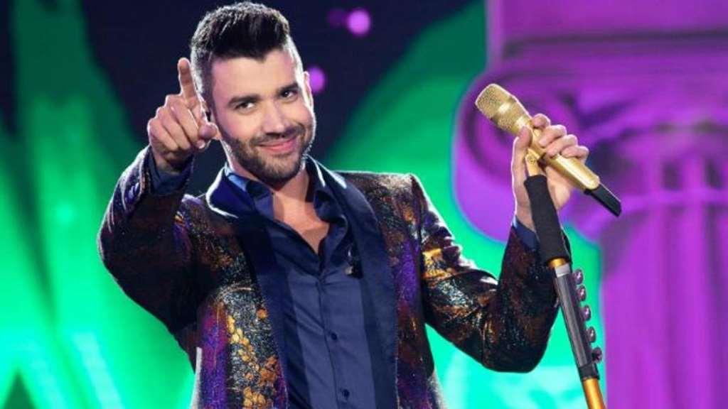 """Sertanejo faz show de estreia da nova música """"Saudades Sua"""""""