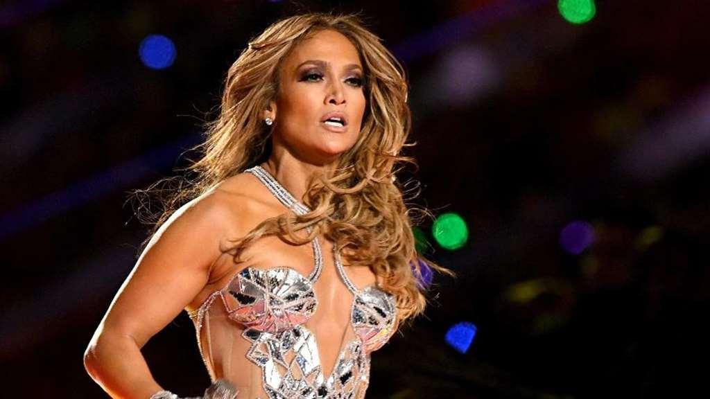 Além de J. Lo, festival internacional tem Bon Jovi e Mariah Carey; No Brasil, duas gerações do rap fazem live Imagem: Kevin Winter/Getty Images/AFP